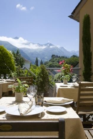 0-terrasse-hotelleviscos-saintsavin-hautespyrenees.jpg-LeViscos.jpg