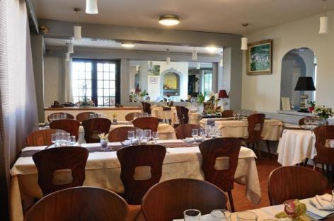 0-Lourdes-Chalet-de-Biscaye-salle-bis.jpg