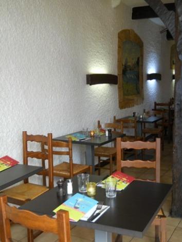 1-Lourdes-restaurant-l-Occitan-salle.JPG