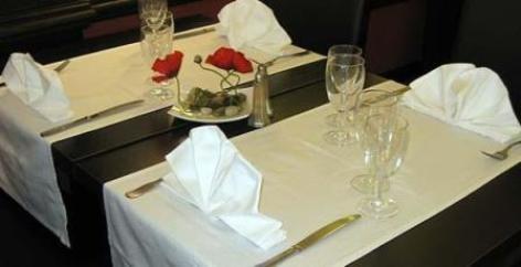 2-PALACIO-Table.jpg