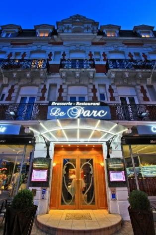 0-Lourdes-restaurant-Le-Parc-exter..jpg