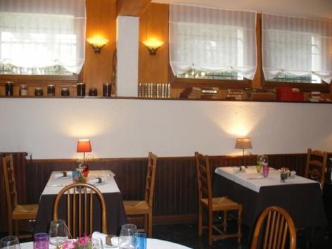 4-castera-restaurant--9-.jpg