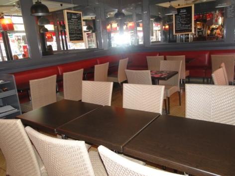 1-Brasserie-Cafe-Le-Geneve-1.JPG