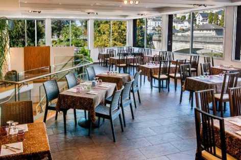 1-Lourdes-restaurant-Casa-Italia-2.jpg