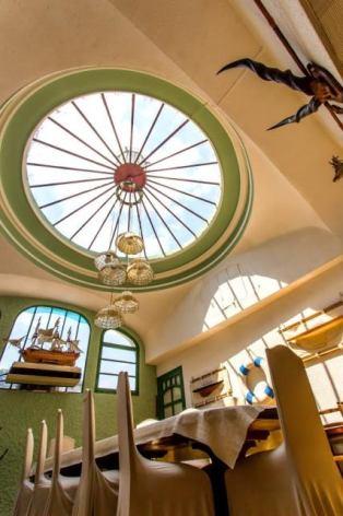 2-Lourdes-Hotel-restaurant-Casa-Nostra-3.jpg