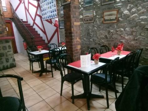 0-Lourdes-restaurant-Le-Seven-2.jpg