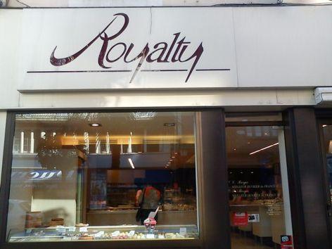 0-Royalty-Vitrine.jpg