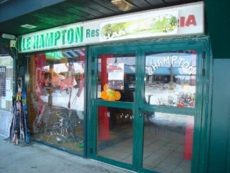 0-LE-HAMPTON-VITRINE.JPG