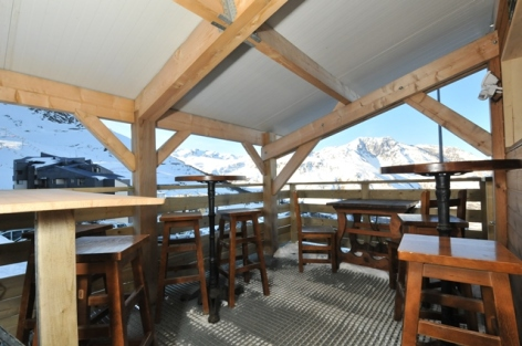 6-terrasse-bar-salle-WEB.jpg