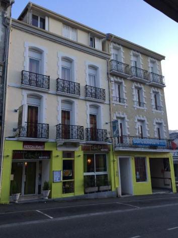0-Restaurant-Chez-Ly-exterieur.jpg