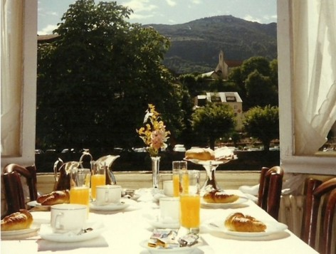 2-Lourdes-restaurant-Le-Napoleon-Terrasse.jpg