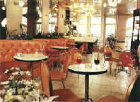 0-Lourdes-Ho-tel-restaurant-St-Jean-Baptiste.jpg