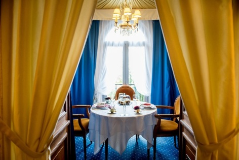 1-Restaurant-La-Belle-Epoque---salon.jpg