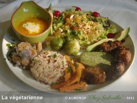 3-plat-la-vegetarienne-auberge-chez-gabrielle-beaudean-lesponne.jpg