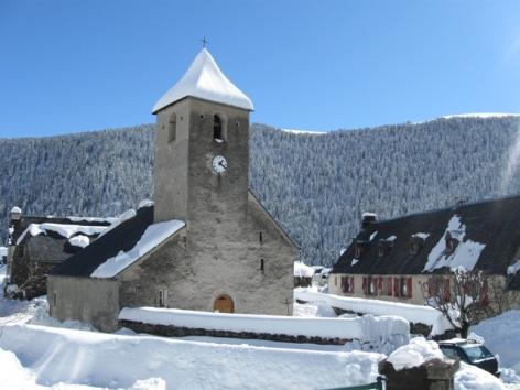 2-Vue-sur-le-village-enneige.JPG