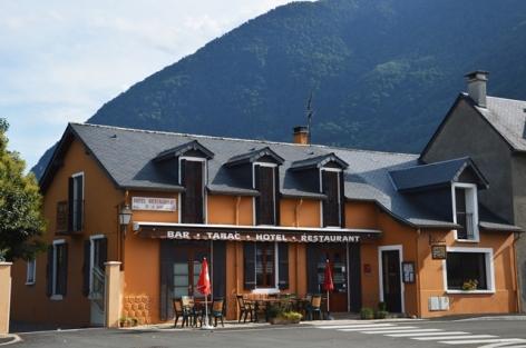 0-hoteldelagare-facade-pierrefittenestalas-HautesPyrenees.jpg