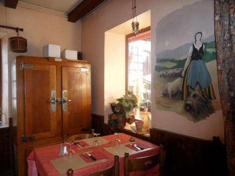 0-restaurant04.JPG