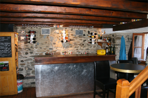 4-CAFE-ST-GERMAIS-BAR-WEB.jpg