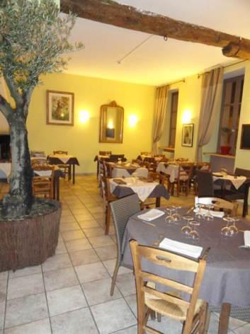 2-590071-hotel-de-france-1.jpg