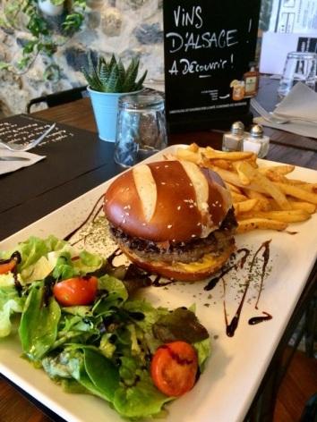 1-LE-PASSAGE---Burger.JPG