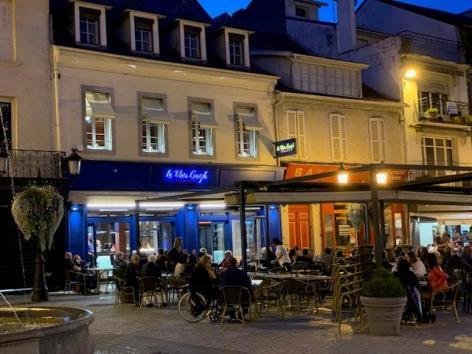 0-Lourdes-restaurant-le-Van-Gogh-1.jpg