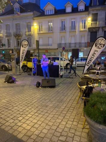 4-Lourdes-restaurant-le-Van-Gogh-5.jpg