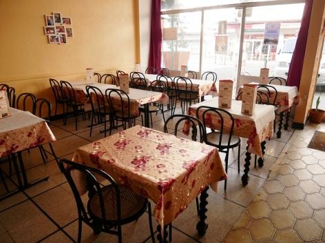1-Lourdes-Madha-restaurant---salle-1.JPG