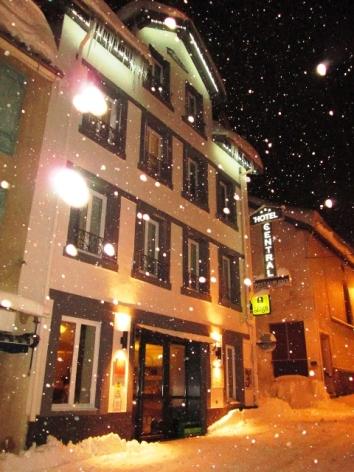 1-Votre-hotel---facade.jpg