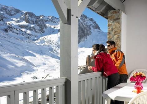 11-HPRT5-residence-de-tourisme-Mer-et-Golf-Pic-du-Midi--vue-depuis-balcon.jpg