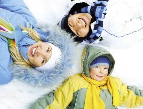5-AMBIANCE-FAMILLE-HIVER-HPTE-SHUTTERSTOCK.jpg