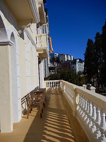 5-HPCH103-Villa-Orante-balcon-terrasse.JPG