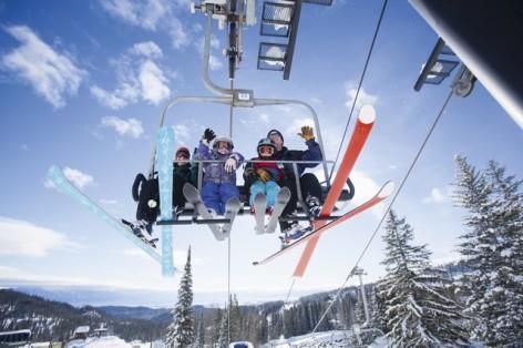 9-Ski-famille-telesiege-hpte-GettyImages.jpg