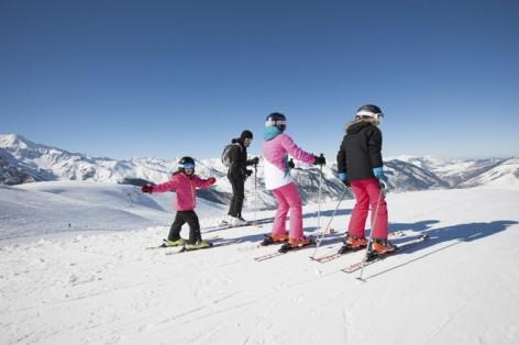 13-Ski-famille-hpte-pierre-brunet.jpg
