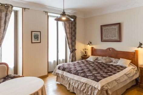 3-HPH8-Le-Lion-d-Or-chambre3.jpg