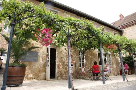 7-Madiran-Maison-des-vins-facade-HPTE-MAISON-DES-VINS.jpg