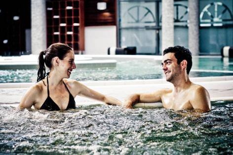 11-Les-Bains-du-Rocher---Couple---AKTAES.jpg