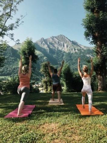 0-HPRT124---Les-chalets-d-Arrens---Yoga-2.jpg