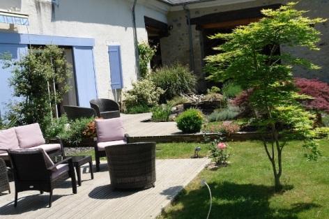13-HPCH117---CH-LA-BIGOURDINE---ESCOUBETS-POUTS---Exterieur-salon-de-jardin.JPG