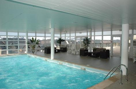 0-HPRT100---Residence-Les-Adrets---piscine--2-.jpg