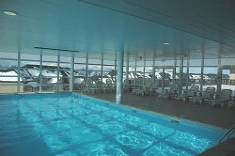2-HPRT100---Residence-Les-Adrets---piscine.jpg