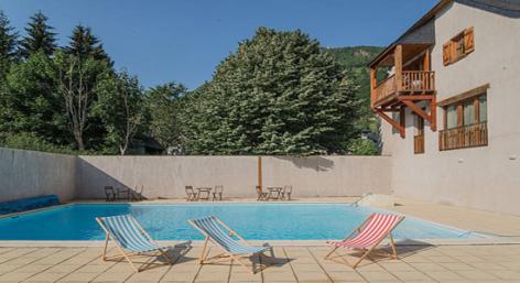 0-HPRT98---Residence-vignec---piscine.jpg