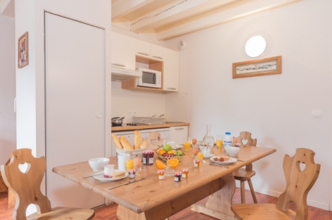 5-cuisine-8-pax-mezzanine.jpg