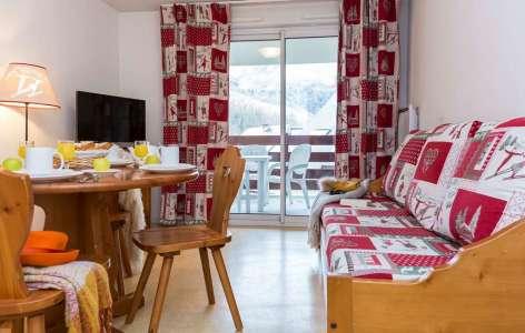 4-tmp45B2-location-ski-saint-lary-soulan-residence-odalys-soleil-d-aure-4-SALON.jpg