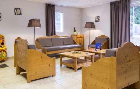 5-tmp4634-location-ski-saint-lary-soulan-residence-odalys-soleil-d-aure-9-SALON-COMMUN.jpg