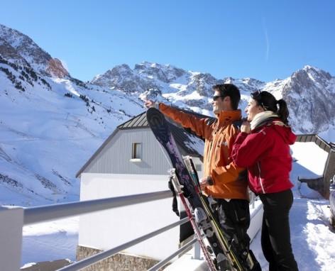 2-HPRT5-residence-de-tourisme-Mer-et-Golf-Pic-du-Midi-exterieur-hiver.jpg
