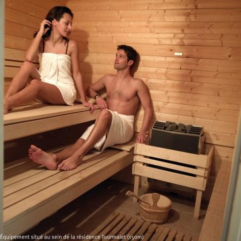 6-HPRT5-MER-ET-GOLF-LA-MONGIE-02-sauna-01.jpg