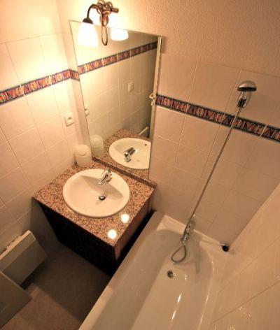 10-Salle-de-bain-T2CWEB.jpg