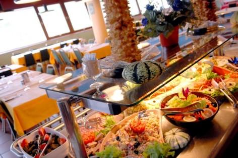 20-HPVILVAC1---CEVEO---restaurant.jpg