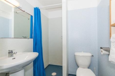 5-Appartement-2-pieces-4-pers-salle-de-douche-SIT.jpg