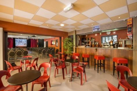 1-HPCV4-Les-Marronniers-Domaine-de-Pyrene-Bar.jpg